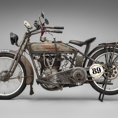 """Harley-Davidson Model 11-F, """"Effie""""  1915"""