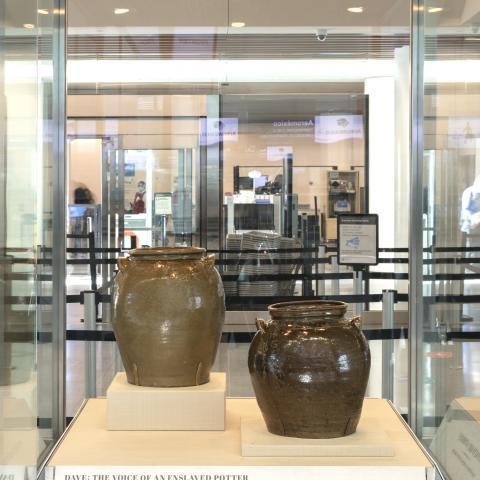 SFO Museum Gallery Image | Stoneware Stories2021