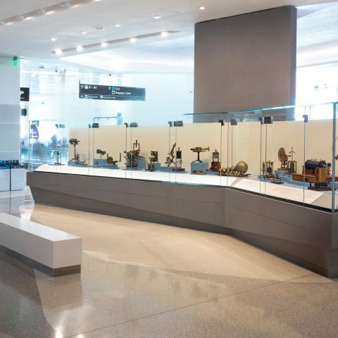SFO Museum Gallery | Antique Scientific Instruments