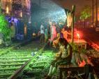 Arko Datto: Rail Diwali