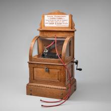 Automatic Edison phonograph  c. 1901