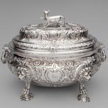 Soup tureen with cat handle on lid  c. 1747