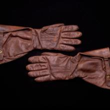 Gauntlet-style aviator gloves worn by Edwin D. Taylor  c. 1940