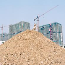The city where Yuan Xiangqiu lives is undergoing major development 2015
