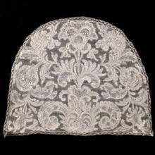 Cap back  late 1700s Point de Venise à Réseau needle lace Italy Collection of Lacis Museum of Lace and Textiles, Berkeley, CA JAC12357 L2013.3501.013