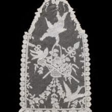 Pictorial scene  late 1800s Brussels, free bobbin lace Belgium Collection of Lacis Museum of Lace and Textiles, Berkeley, CA JVB.12423 L2013.3501.001